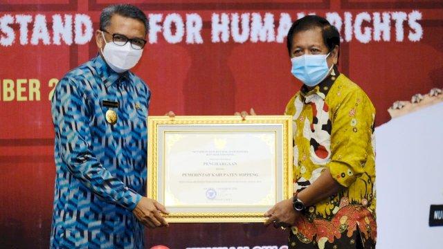 Gubernur Sulsel Nurdin Abdullah dan Bupati Soppeng Andi Kaswadi Razak