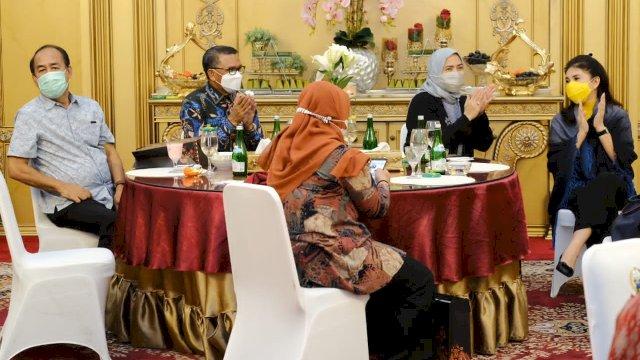 Gubernur Sulsel Nurdin Abdullah bersama sejumlah anggota DPR RI