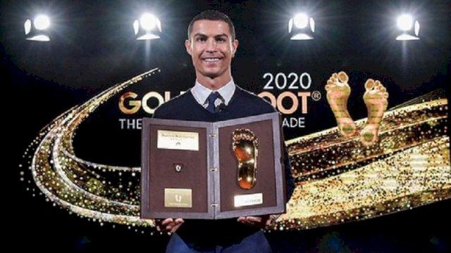 Cristiano Ronaldo Lebih Cepat Menangi Golden Foot Award