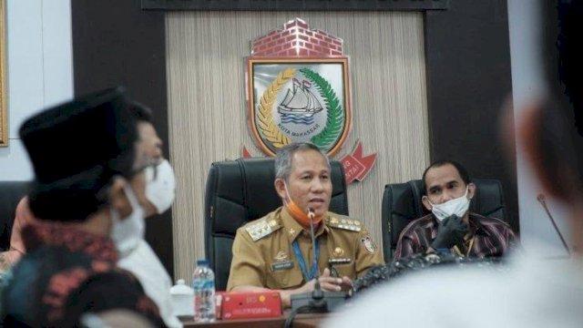 Prof Yusran saat menjabat Pj Walikota Makassar bersama Ketua DPRD Makassar Rudianto Lallo dalam sebuah rapat.