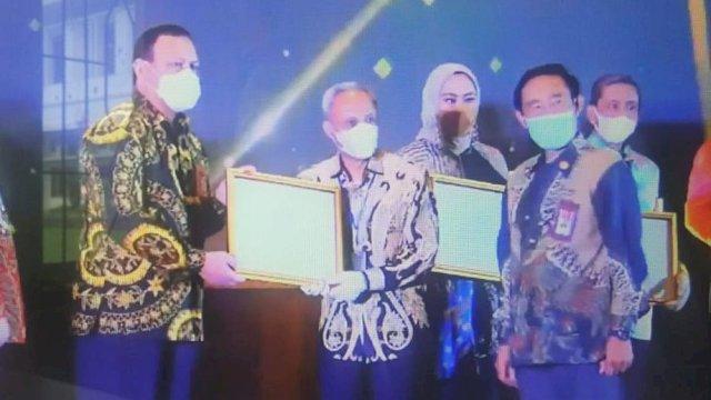 Wabup Pangkep, Syahban Sammana menerima penghargaan dari KASN
