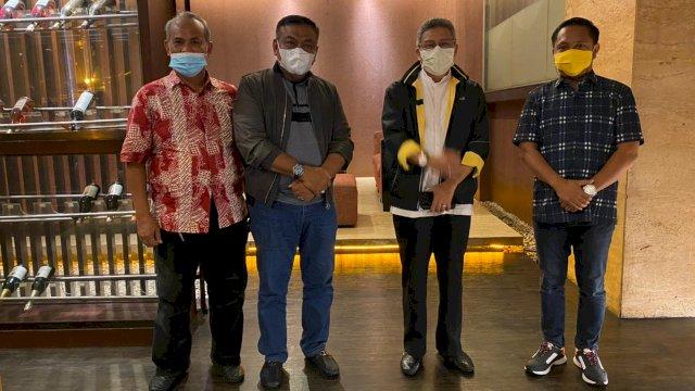 Taufan Pawe bersama sejumlah pengurus DPD I Golkar Sulsel bersama A Fahsar Padjalangi