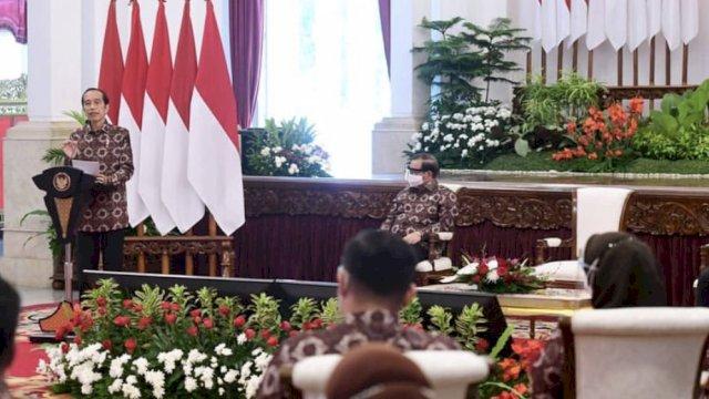 Permintaan Jokowi ke Para Bupati: Program Padat Karya Diperbanyak
