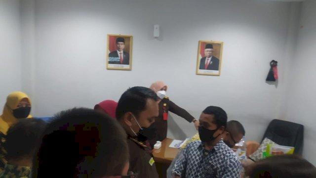 Oknum Pegawai UPTD Kanre Rong Makassar Diduga Tarik Pungli, Kantornya Digeledah Jaksa