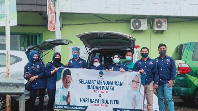 Warga Berterima Kasih, NasDem Kota Makassar Bagikan Takjil Gratis Setiap Hari