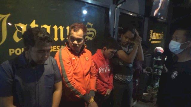 Pelaku polisi gadungan di Makassar.