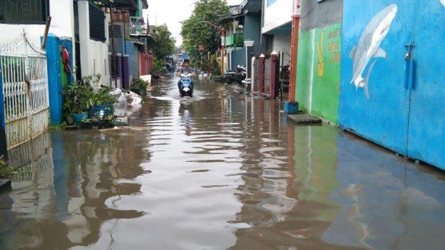 Banjir Mulai Masuk Rumah Warga di Makassar, Walikota Danny Imbau Waspada