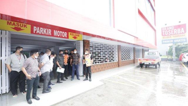 Bahu Jalan Dijadikan Lahan Parkir, Legislator Sidak Grand Toserba Metro Tanjung Bunga