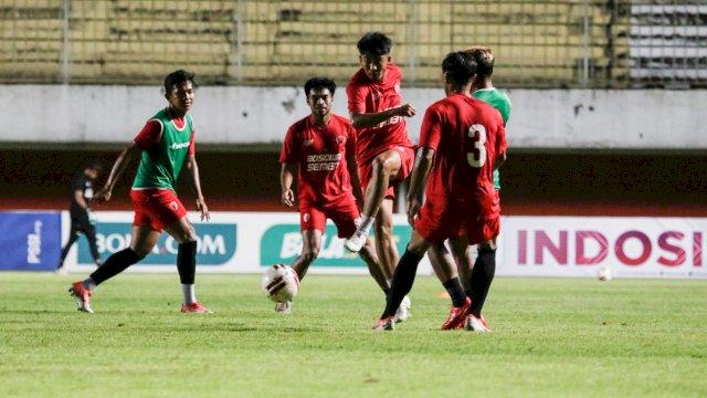 Official Training PSM Makassar di Stadion Maguwoharjo, Selasa (13/4/2021). PSM Makassar akan menghadapi Persija Jakarta di leg pertama semifinal Piala Menpora, Kamis (15/4/2021).