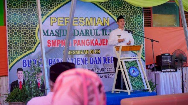 Program Satu Sekolah Satu Mushallah, Bupati Pangkep Resmikan Masjid SMPN 1 Pangkajene