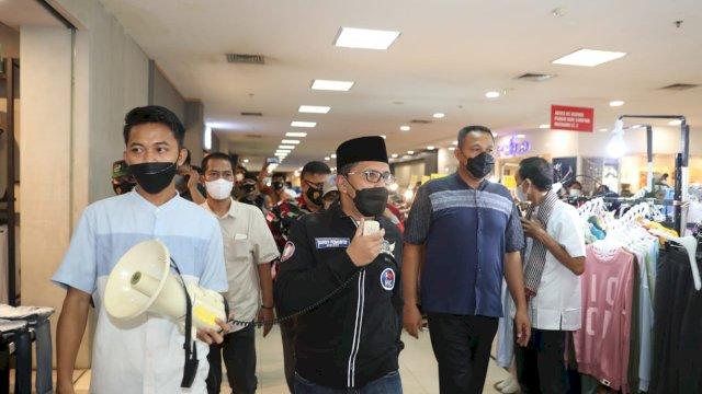 Pakai Toa, Walikota Danny Bubarkan Pengunjung yang Membludak di Mal Panakkukang Makassar