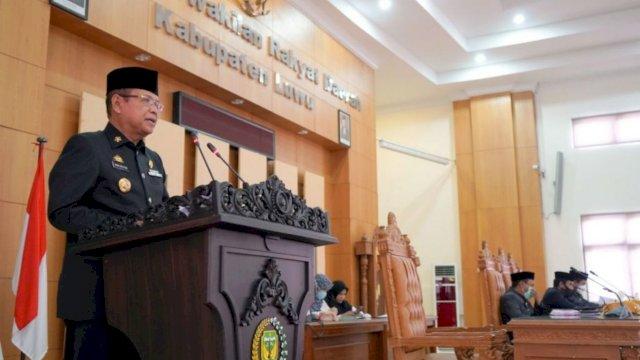 Bupati Luwu Basmin Mattayang Serahkan LKPJ Tahun Anggaran 2020 ke DPRD