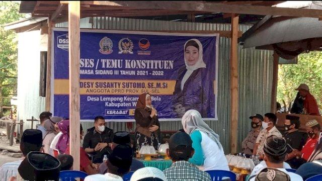 Anggota DPRD Sulsel asal Partai NasDem, Desy Susanty Sutomo, menyerap aspirasi konstituennya di 5 titik Kecamatan Bola, Kabupaten Wajo.