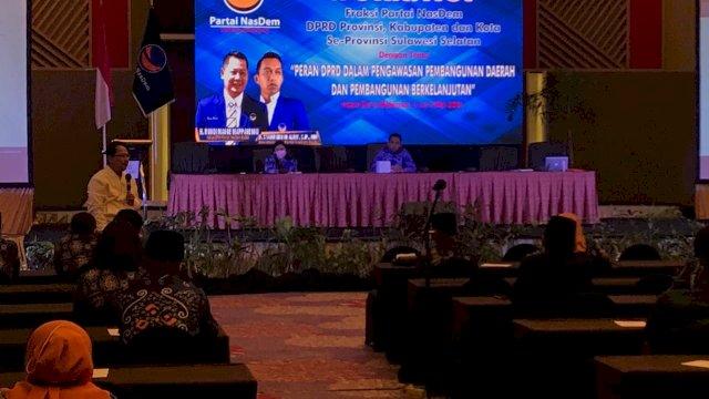 DPW NasDem Sulsel menggelar workshop dengan tema Peran DPRD dalam Pengawasan Pembangunan Daerah dan Pembangunan Berkelanjutan. Workshop digelar di Hotel Claro, Jalan AP Pettarani Makassar. Rencananya, workshop berlangsung 2 hingga 4 Mei 2021.