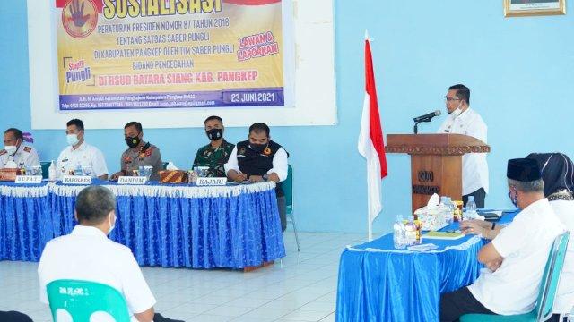 Bupati Pangkep Muhammad Yusran Lalogau (MYL), saat memberikan sambutan dalam pelaksanaan sosialisasi peraturan presiden nomor 87 tahun 2016 tentang Satgas Saber Pungli.
