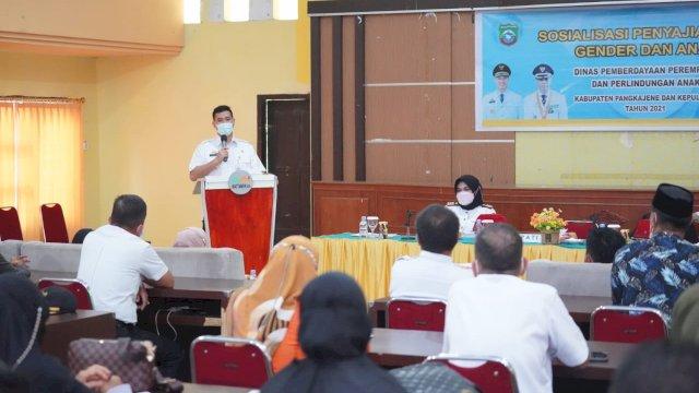 Bupati Pangkep Muhammad Yusran Lalogau (MYL), saat memberikan sambutan dalam sosialisasi penyajian data gender dan anak