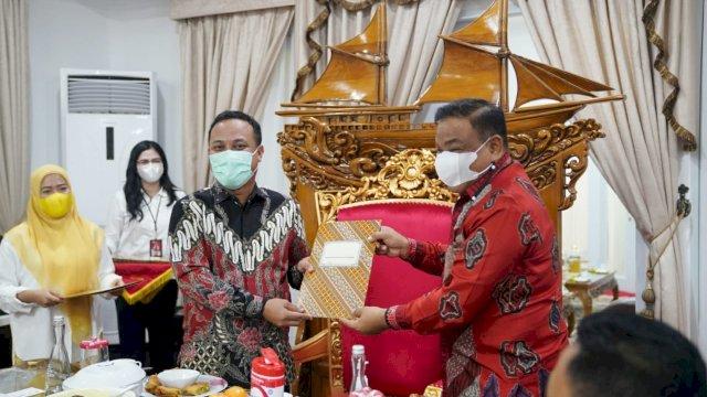 Plt Gubernur Sulsel Kucurkan Bantuan Keuangan Rp 200 Miliar untuk Daerah, Ollon Toraja Dapat Rp 20 Miliar