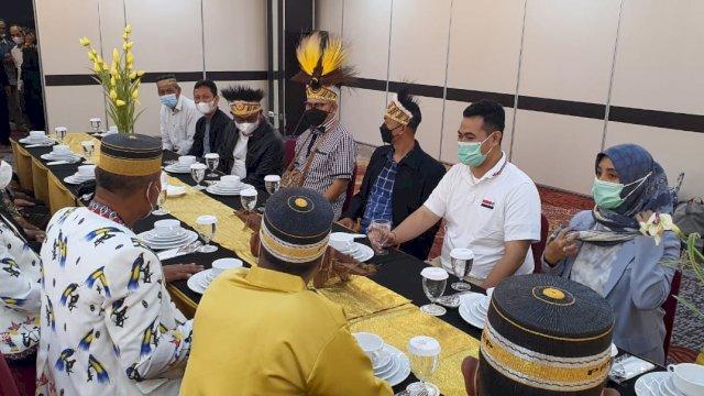 Bupati Pangkep Muhammad Yusran Lalogau(MYL), saat mengunjungi warganya di Mimika.