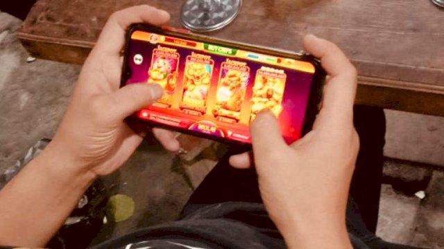 ilustrasi main game online.