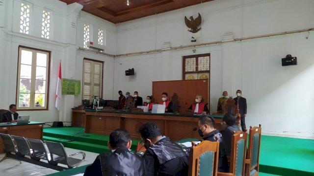 Penyuap Nurdin Abdullah Menangis Bacakan Pledoi, Anggap Tuntutan 2 Tahun Penjara Memberatkan