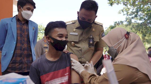 Ilham Azikin Dorong Organisasi Kepemudaan Gelar Vaksinasi Klaster Pelajar