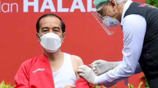 Jokowi Batalkan Vaksinasi Berbayar