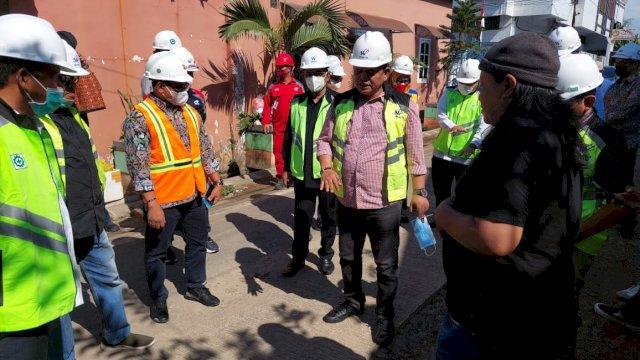 Menyahuti laporan masyarakat, Anggota DPRD Makassar, melakukan Peninjauan langsung lokasi Proyek IIPAL Komunal di Kota Makassar.
