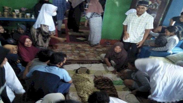 Ditinggal Orang Tua Panen Sawit, Dua BalitaTewas di Kolam Ikan
