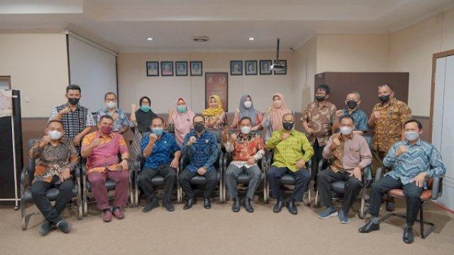 Penuh Rasa Haru, Momen Saat Lepas Sambut Pejabat Struktural di Sekretariat DPRD Makassar