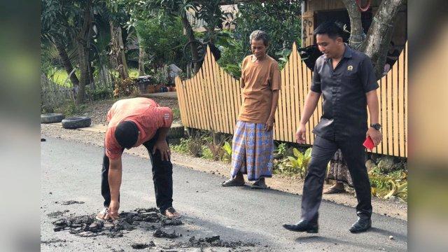 Belum Cukup Dua Bulan Selesai, Kondisi Ruas Jalan Pallae-Bolae Bulu Sidrap Sulsel Sudah Rusak