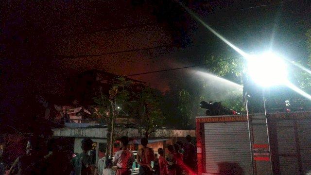 Lepas Maghrib, 3 Kebakaran Terjadi Hampir Bersamaan di Makassar