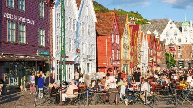 Hidup Normal, Begini Cara Warga Norwegia Bebas dari Pembatasan Covid-19
