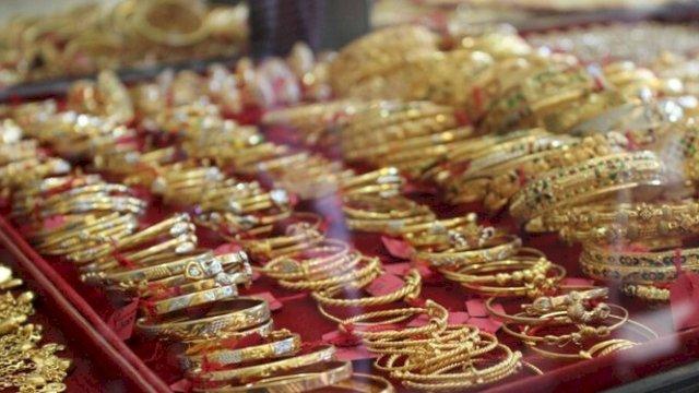 Hari Ini, Harga Emas Rp 929.000 Per Gram