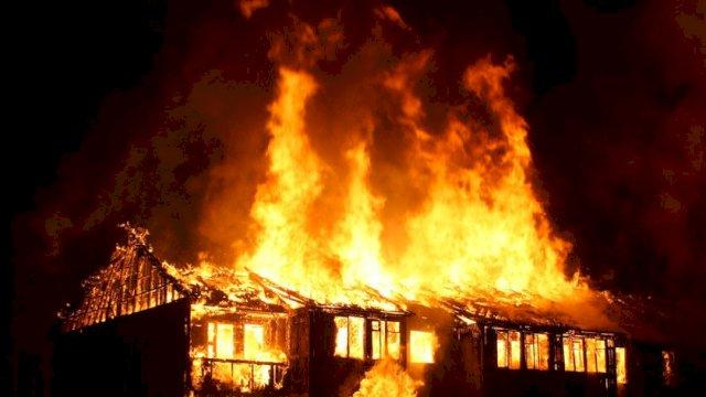 Kebakaran di Takalar Sulsel, Plt Gubernur Instruksikan Penyaluran Bantuan