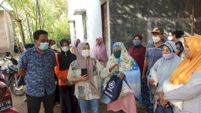 tim APT peduli mengunjungi warga yang setiap harinya jadi pemulung.